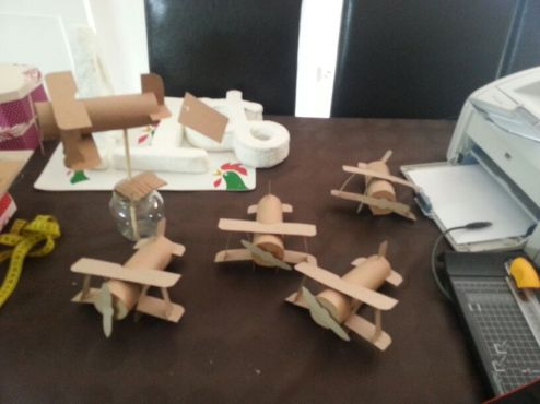 aviones para nombrar las mesas
