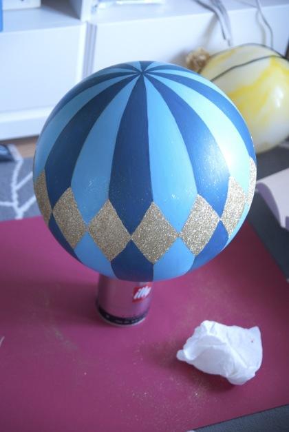 diy-hotair-balloons-centerpieces-2