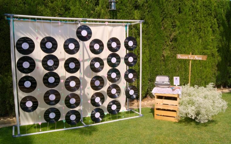3 ideas para un seating plan musical mi boda diy - Decoracion con discos de vinilo ...